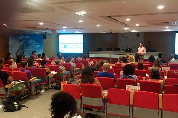 zoetis expone stronghold plus a especialistas en medicina felina en los seminarios del gemfe