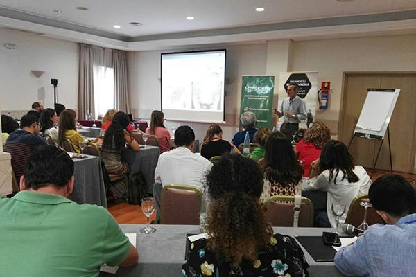 180 veterinarios se dan cita en sevilla en el ii congreso veterinario del sur