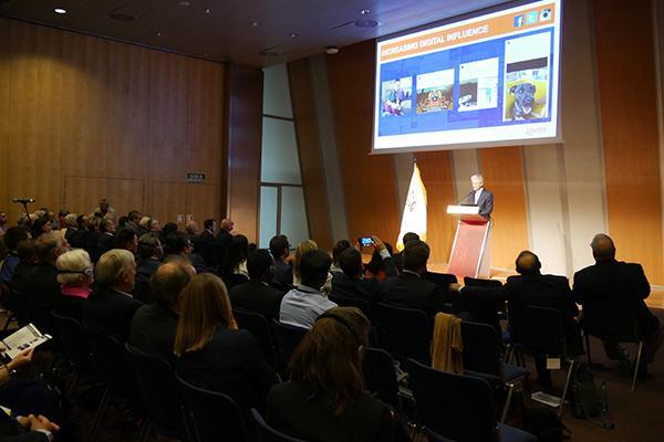 juan ramon alaix ceo de zoetis inaugura el congreso mundial de veterinaria