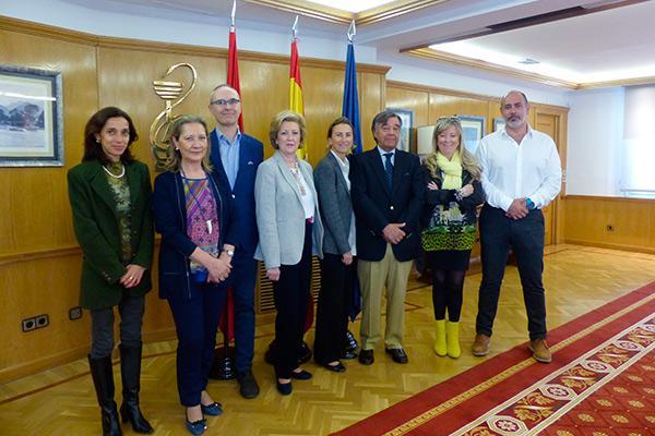 veterinarios y farmacuticos de madrid se unen para mejorar el uso y acceso a los medicamentos veterinarios