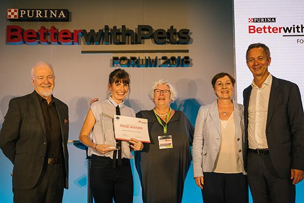 la fundacion oopoeh gana el 1 premio europeo better with pets