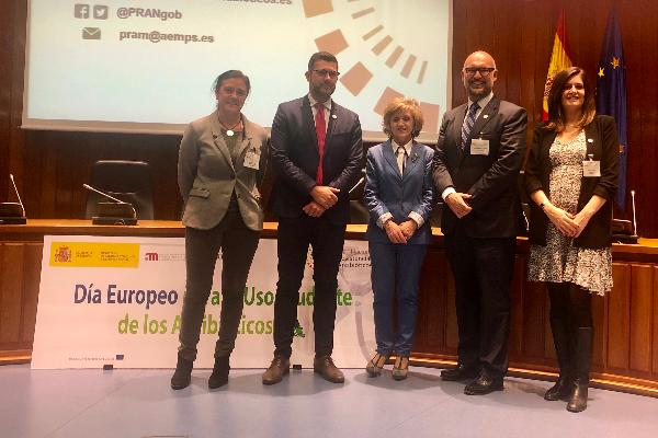 veterindustria presente en la jornada del dia europeo del uso prudente de los antibioticos