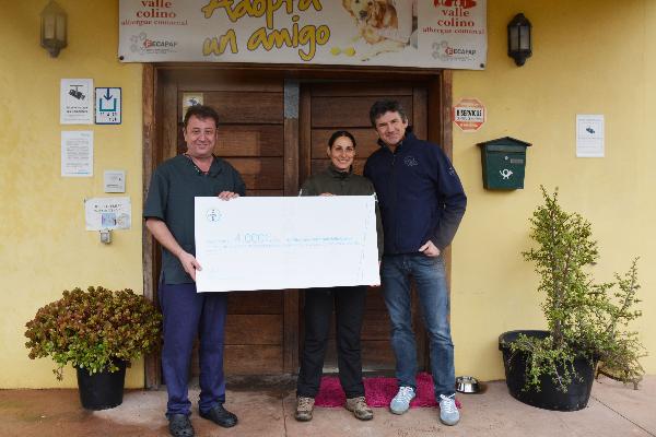 bayer dona 4000 euro al refugio de animales valle colino