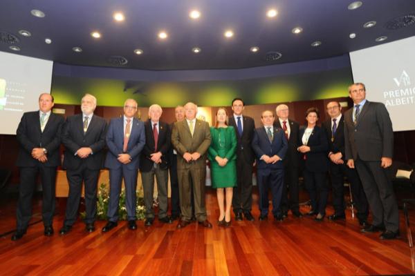 los premios albitar 2018 reconocen la excelencia en el mbito veterinario un ao ms