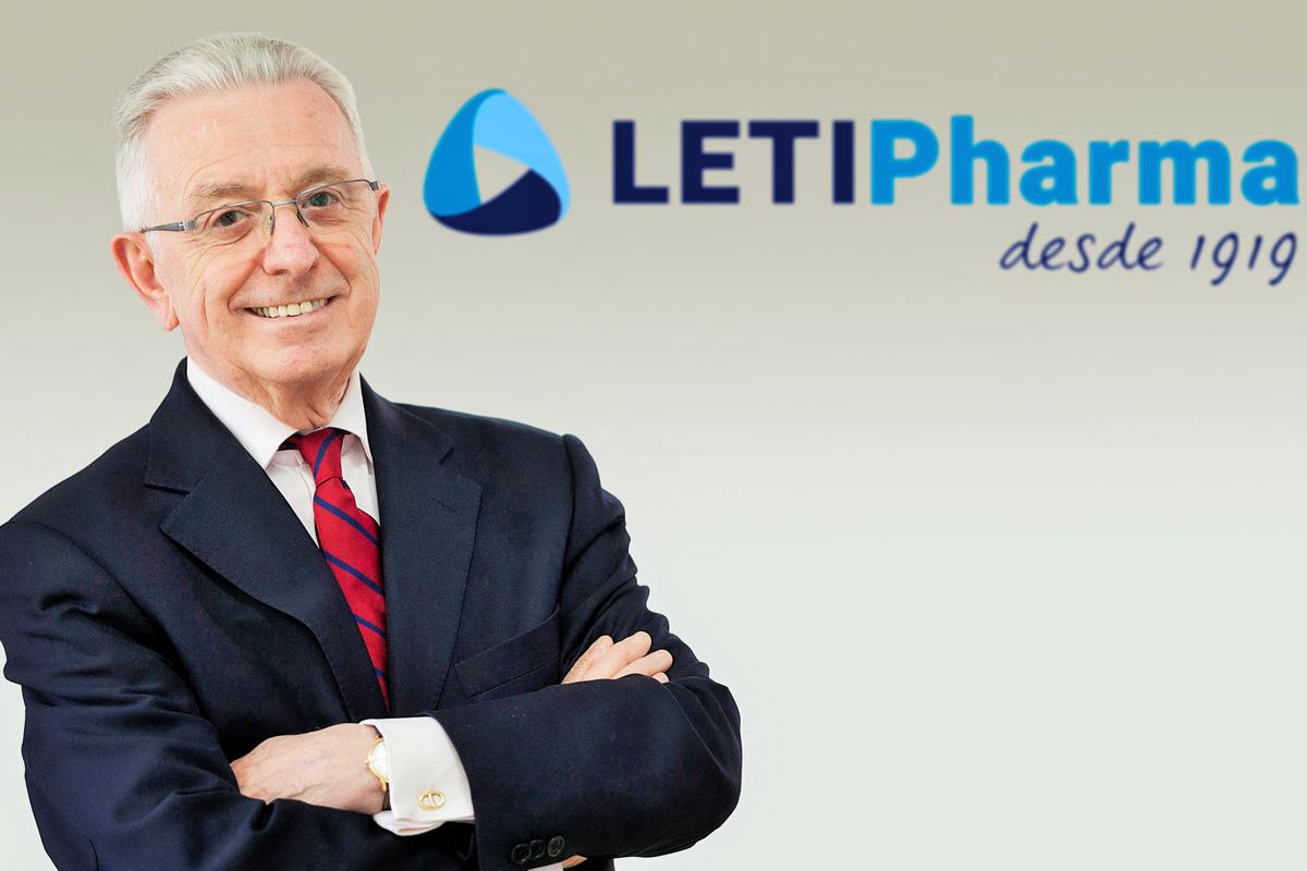 letipharma dona su vacuna letifend a la policia local de vera almeria