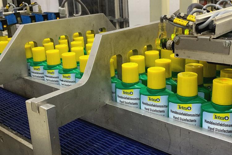 tetra-adapta-su-produccion-para-fabricar-desinfectantes