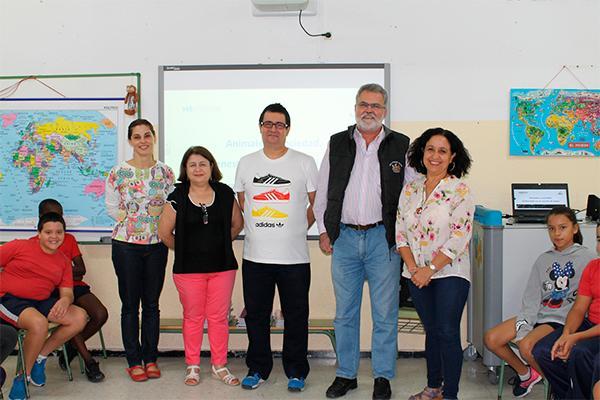 30 centros docentes canarios participan en una campantildea sobre bienestar animal