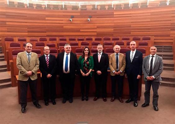 el consejo de veterinarios de castilla y leoacuten traslada sus propuestas a la presidenta de las cortes regionales