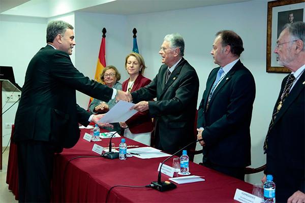 el decano de veterinaria del ceu ingresa en la real academia de medicina y ciencias afines de la comunidad valenciana