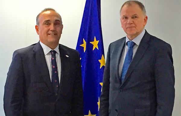 la fve se reuacutene con el comisario europeo de salud y seguridad alimentaria vytenis andriukaitis